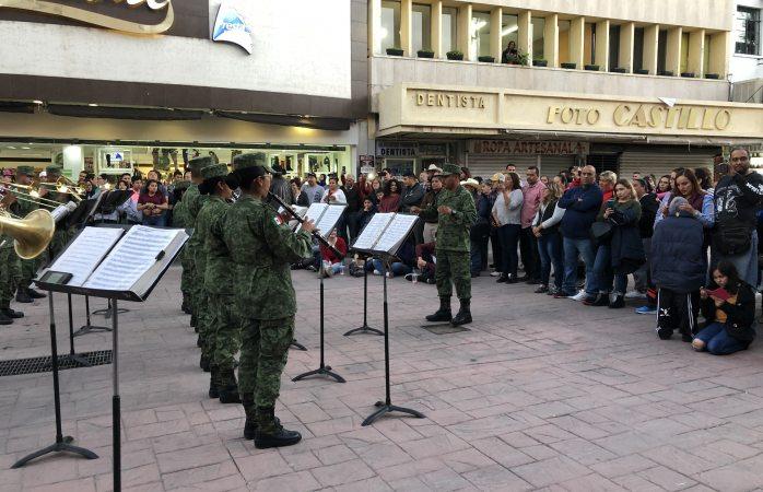 Ofrece recital orquesta de la sedena en la liber