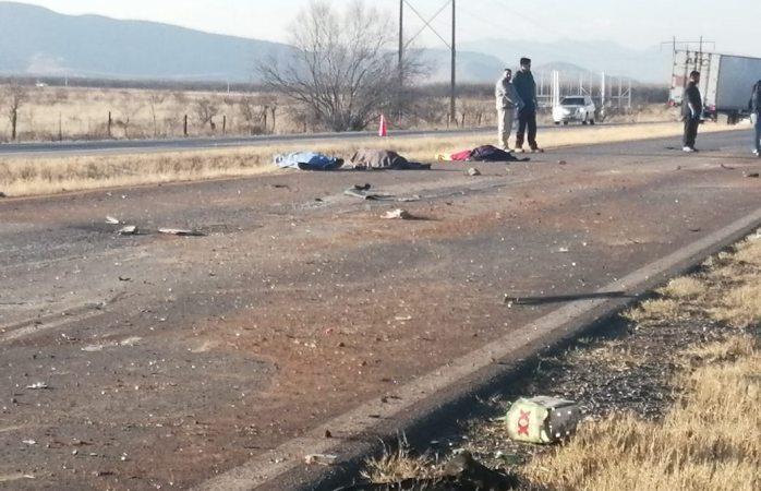 Mueren tres en volcadura sobre la rúa a Juárez