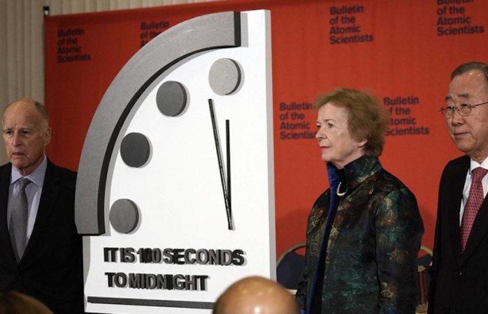 Científicos adelantan reloj del apocalipsis, quedan 100 segundos para fin del mundo