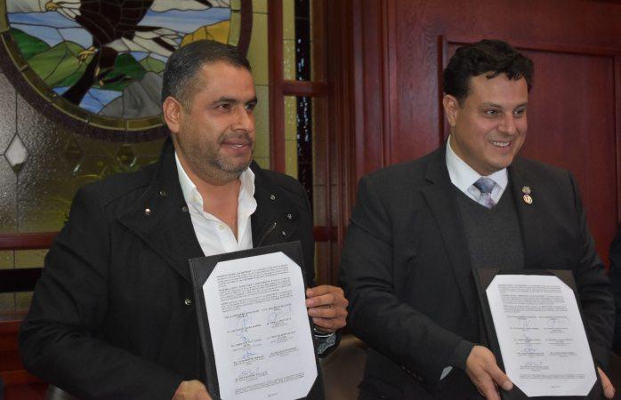 Firman convenio alcalde Alfredo Lozoya y rector Luis Fierro