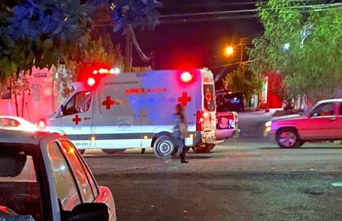 En estado crítico tras ser apuñalado en col Benito Juárez