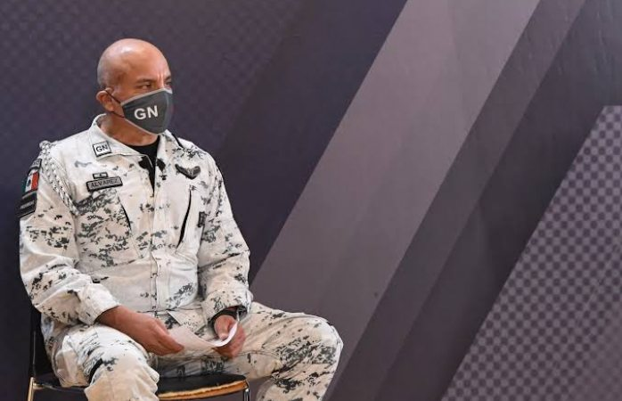 Aíslan a comandante de guardia nacional por brote de covid