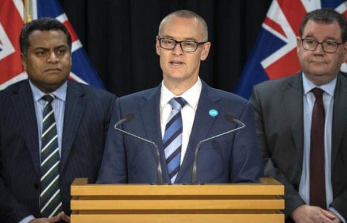 Renuncia ministro de Salud de Nueva Zelanda por viajar a la playa en plena cuarentena