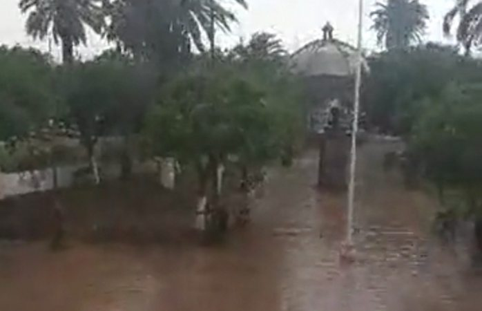 Llueve a cántaros en Meoqui