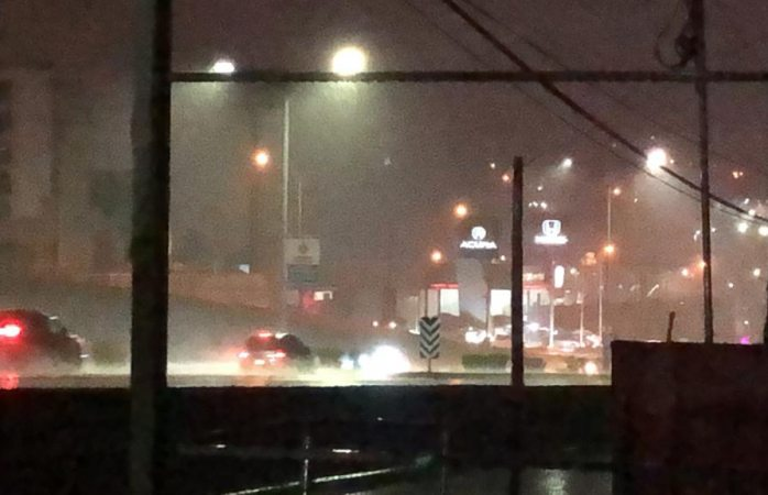 Así se vio la lluvia de anoche en la ciudad capital