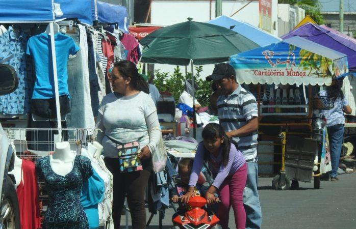 Temen aumento de contagios por alta movilidad en tianguis de la 8a Sur