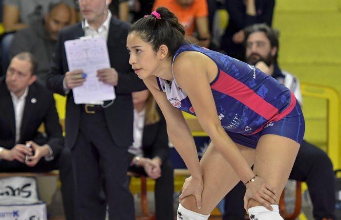 Triunfa en europa del este voleibolista mexicana