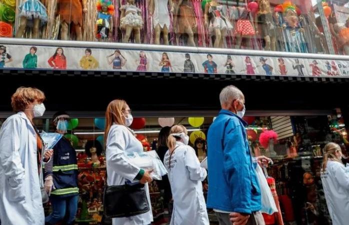 Asciende a 11.1 millones casos confirmados de covid en el mundo según la oms