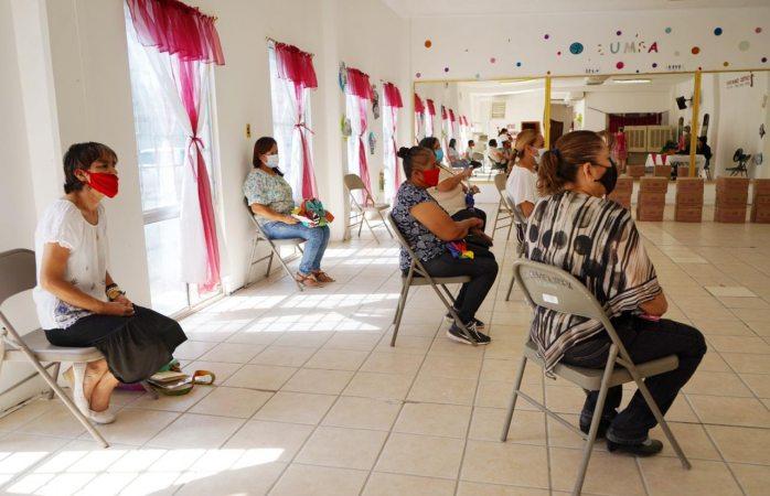 Gradúan del programa armando familias plenas del dif municipal