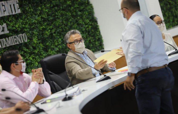 Rinde comité de adquisiciones fallo para adquirir uniformes de la sspm