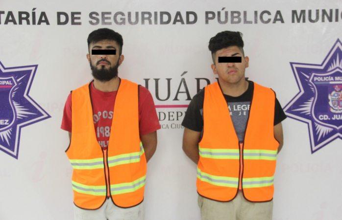Los arrestan en posesión de dos vehículos robados