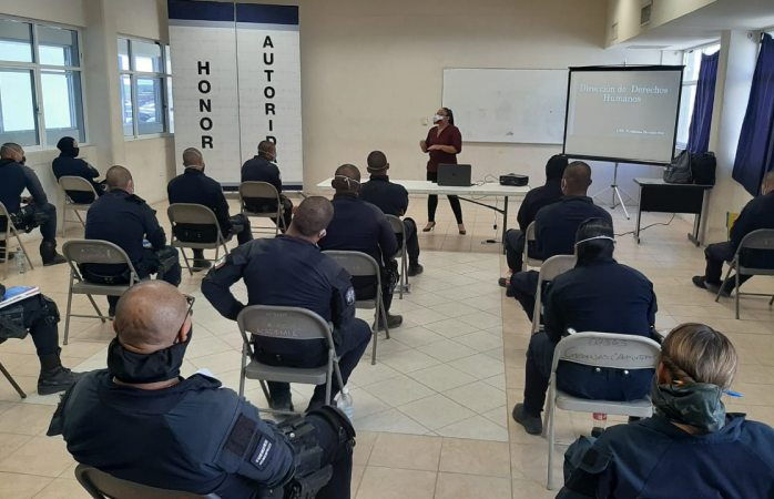 Concluye capacitación de derechos humanos a policías