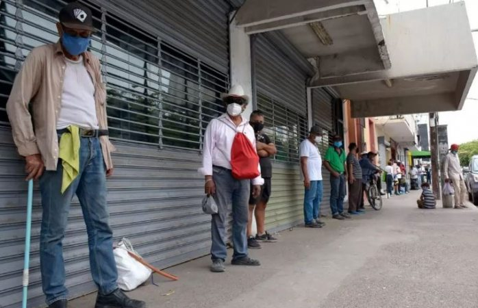Caen en pobreza extrema 16 millones de mexicanos por covid