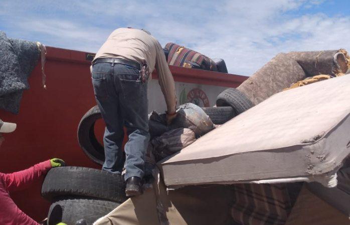 Retiran más de 13 toneladas de tiliches de casas