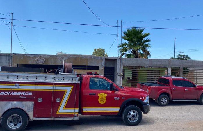 Se incendia vivienda tras explotar tanque de gas en villa juárez