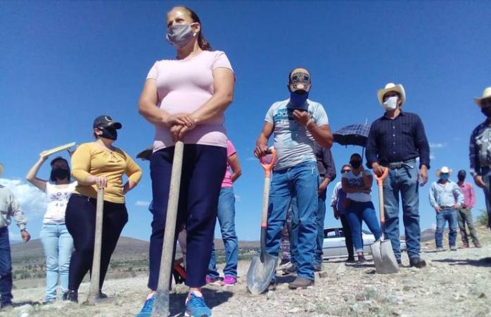 Se manifiestan habitantes de la ferro gay por entrega legal de terrenos