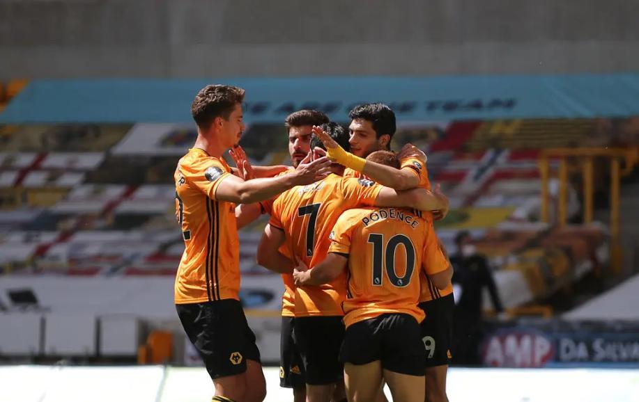 Raúl Jiménez guía el triunfo del Wolves sobre el Everton