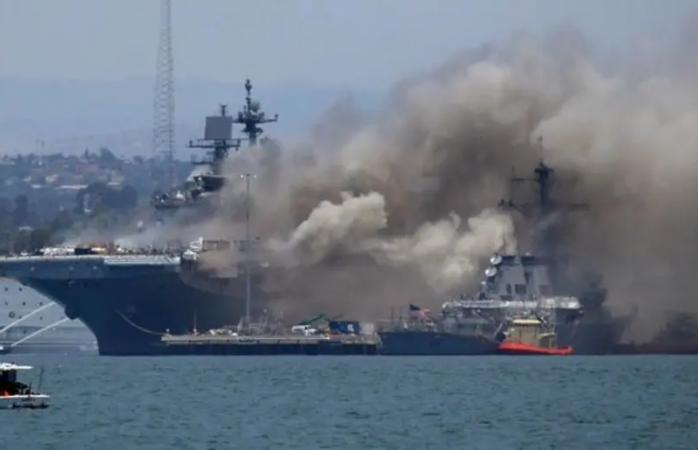 Deja 18 marineros heridos incendio en portaviones en base naval de san diego