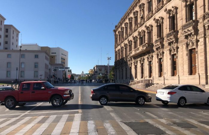 Cierran calles del centro dueños de gimnasios