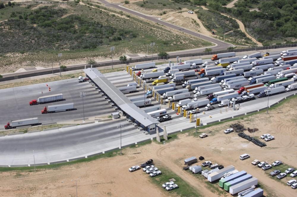 Cierre de frontera México-EU se extiende 30 días