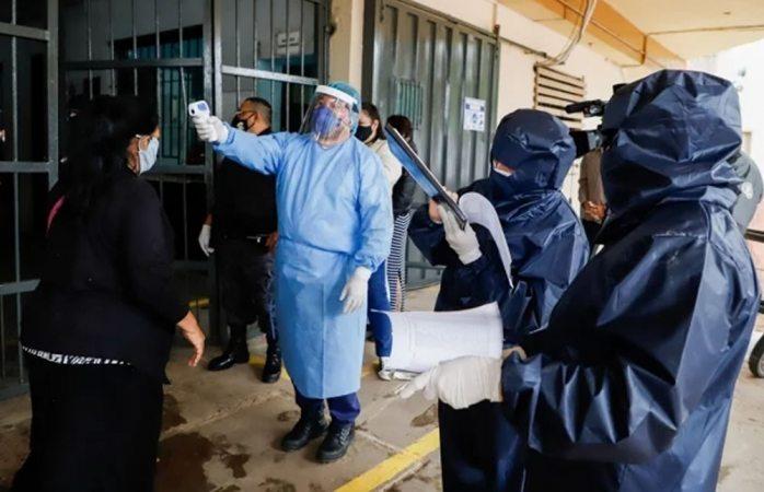 Unam pide confinamiento voluntario al menos dos semanas más