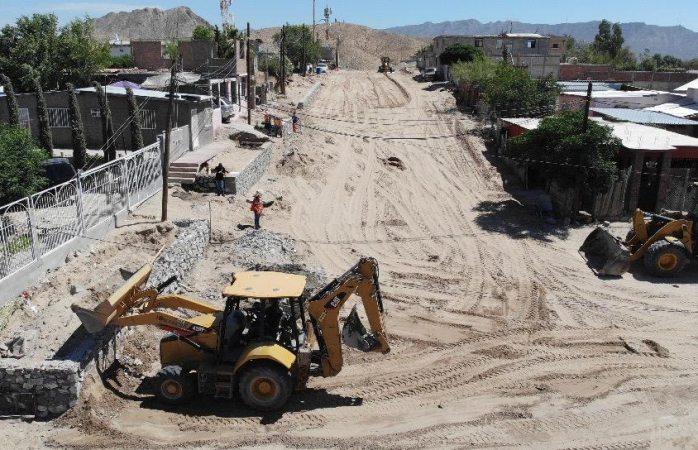 Trabajan 19 frentes de obra con pavimentación de calles en colonias