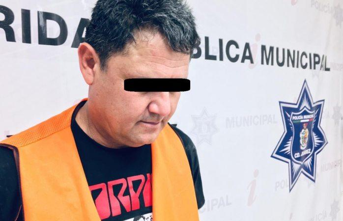 Arrestan a narco menudista con armas y cartuchos útiles