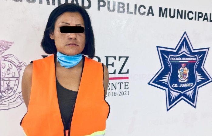 Detienen a mujer por el delito de maltrato infantil