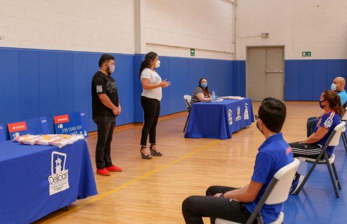 Deportistas, entrenadores y promotores de Delicias reciben becas