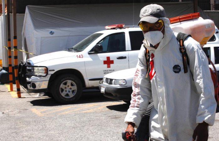 Sanitiza municipio guarnición militar y hospitales públicos de la ciudad
