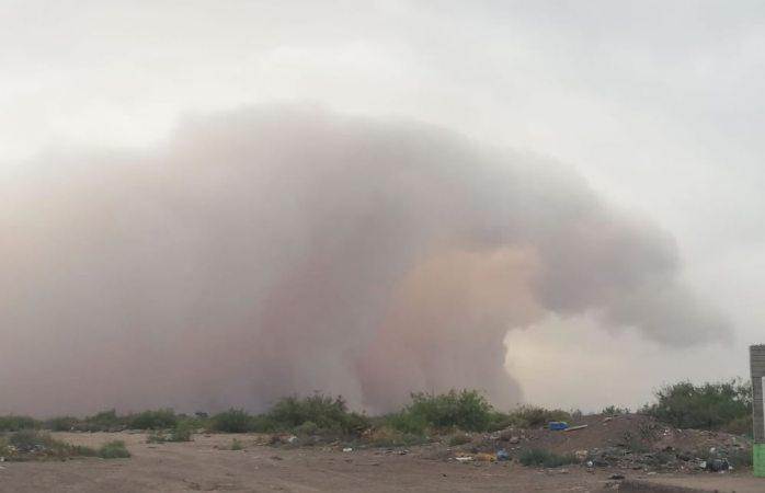 Captan tormenta de polvo en villa ahumada