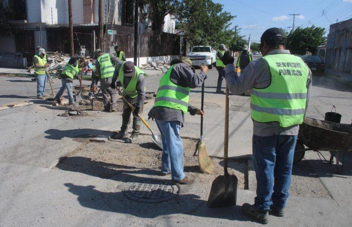 Continúa mejoramiento de calles con el programa emergente de bacheo
