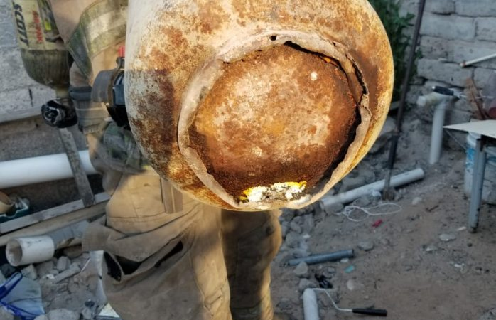 Aseguran bomberos tanque de gas en la colonia zaragoza