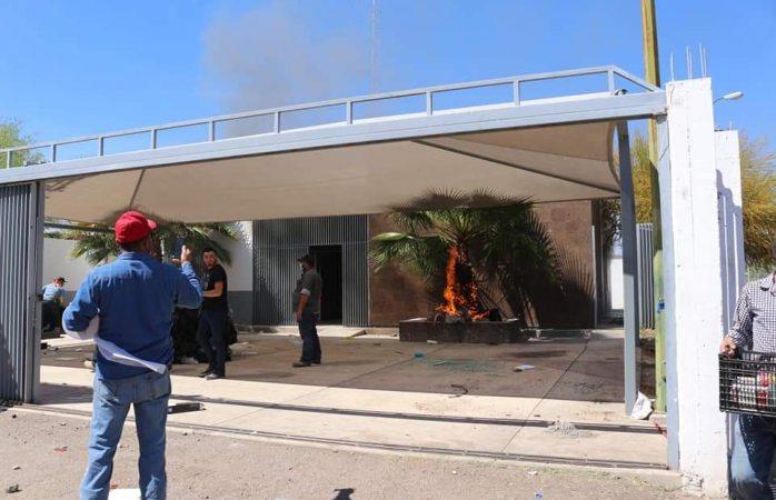 Sacan a la Guardia Nacional, queman instalaciones y vehículo de Conagua