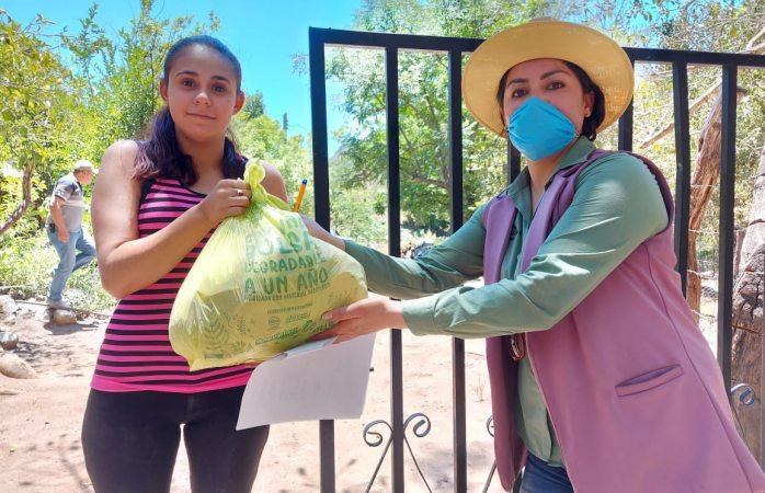 Entregan apoyos alimentarios en Guadalupe y Calvo ante covid-19