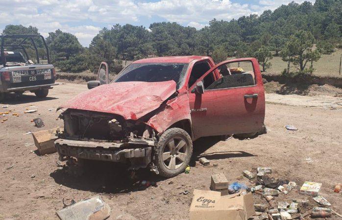 Asegura policía troca robada y camión con madera