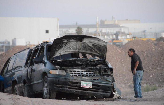 Se incendia su vehículo mientras manejaba