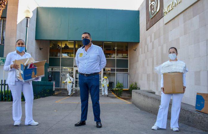 Entrega Alfredo Lozoya equipo de protección a personal del imss