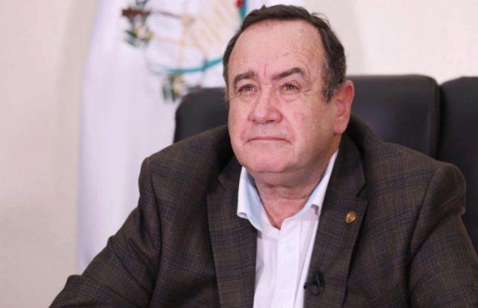 Guatemala culpa a México por repunte de covid-19 en su país