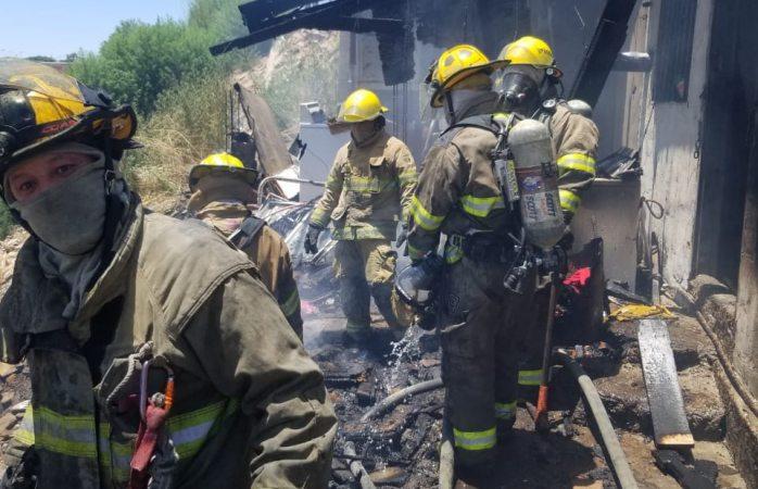 Se quema vivienda en en la colonia México 68