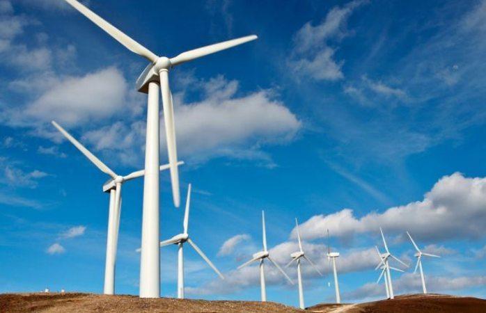 Busca 4T renegociar compra de energía eléctrica limpia