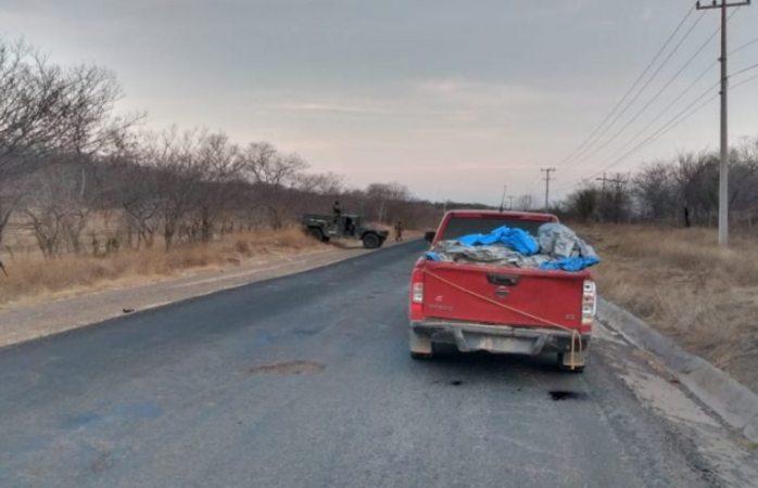 Localizan 12 cadáveres en una camioneta en Michoacán