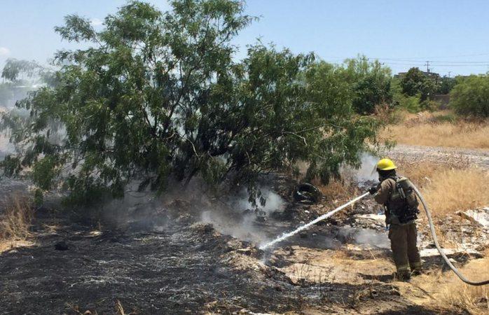 Se registran incendios en tarimera y en lote baldío