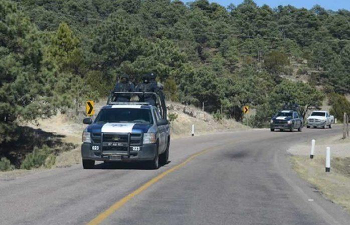 Trasladan a los cuatro policías heridos en emboscada