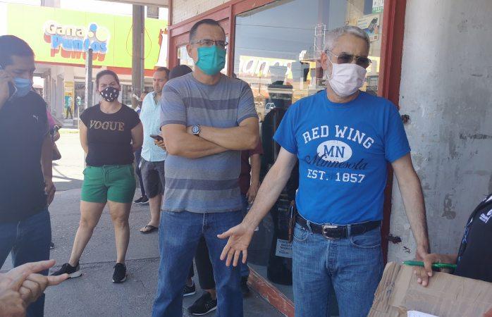 Protestan comerciantes por cierres de sus negocios y falta de apoyo