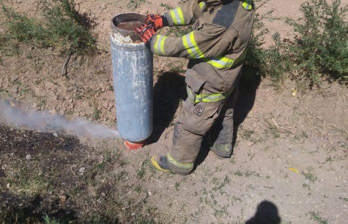 Atienden bomberos juarenses fuga de gas y servicio social
