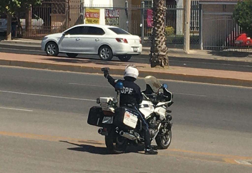Posible desbandada de agentes de la policía vial