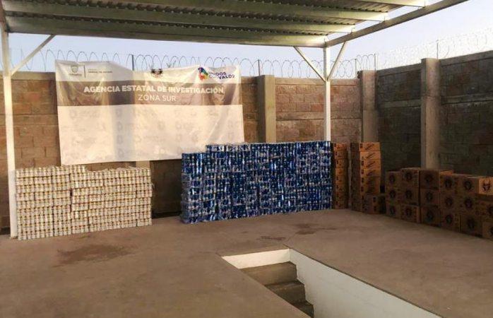 Revientan ventanita en parral; hallan más de 5 mil cervezas y droga