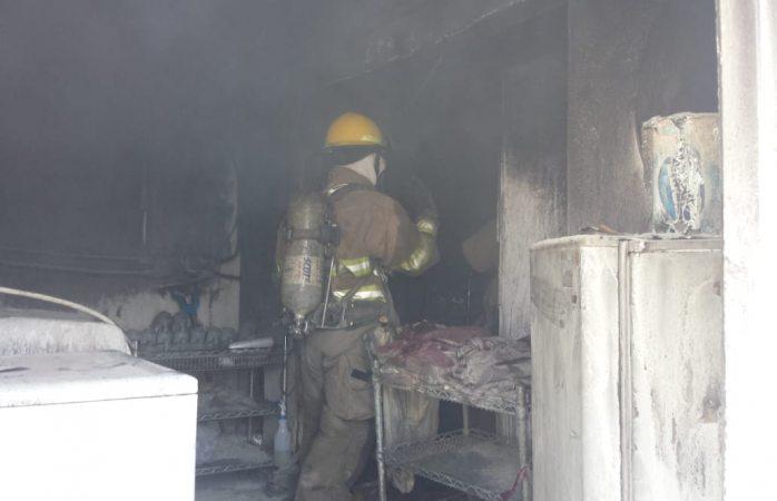 Atienden bomberos múltiples incendios y accidentes