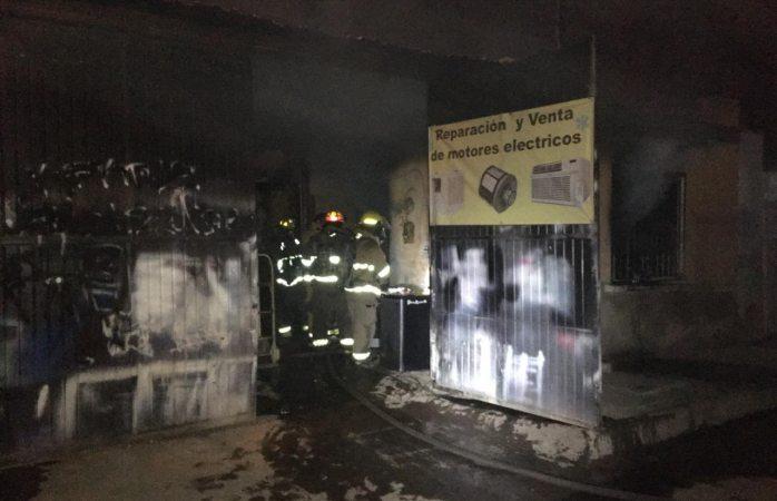 Atienden bomberos 8 emergencias entre ayer y hoy